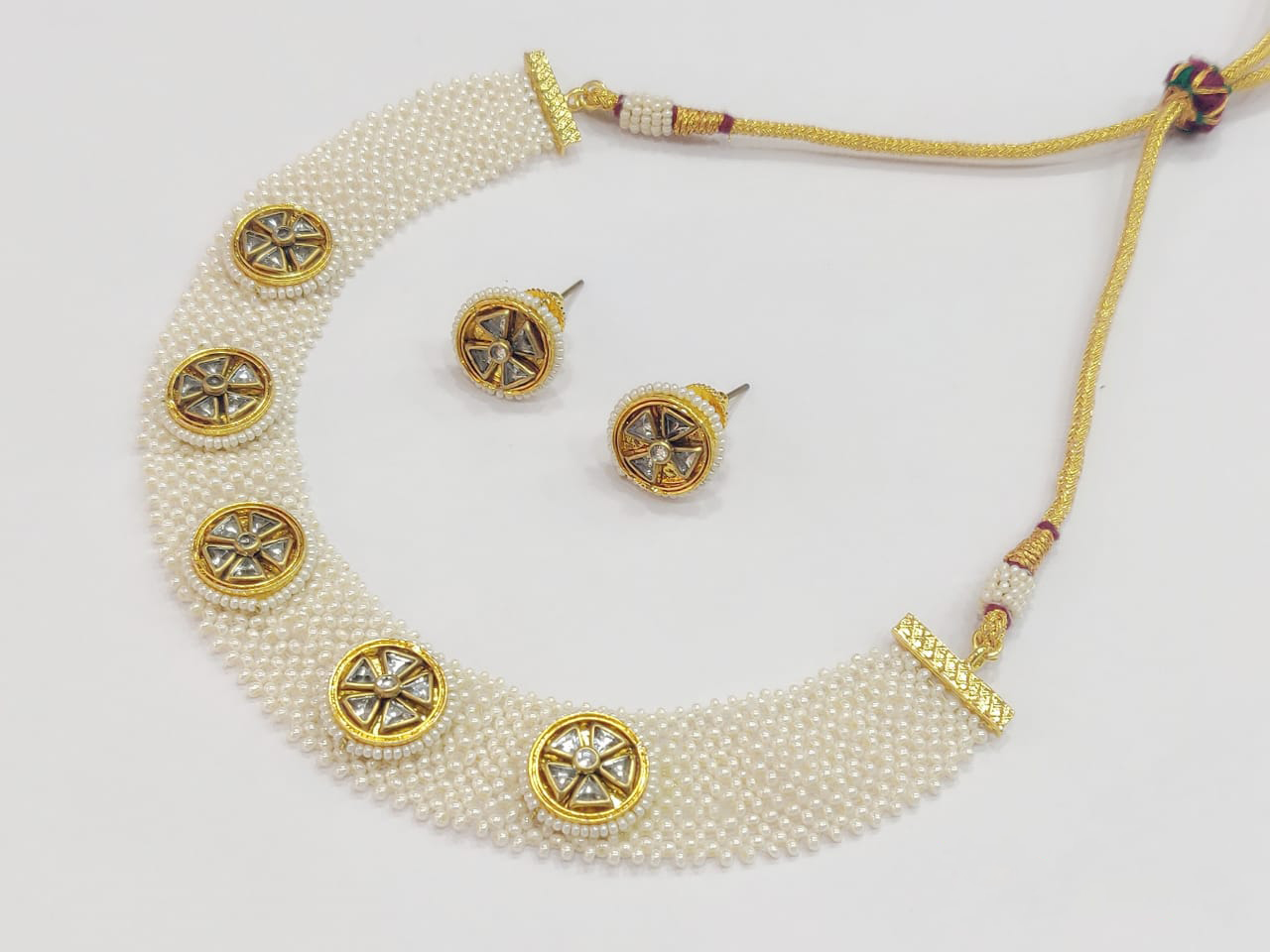 Pearls Net Necklace
